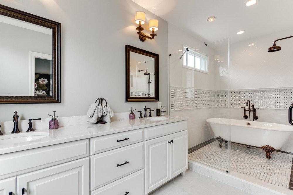 497 N Abingdon St Arlington VA-large-074-48-Bathroom-1500x1000-72dpi.jpg