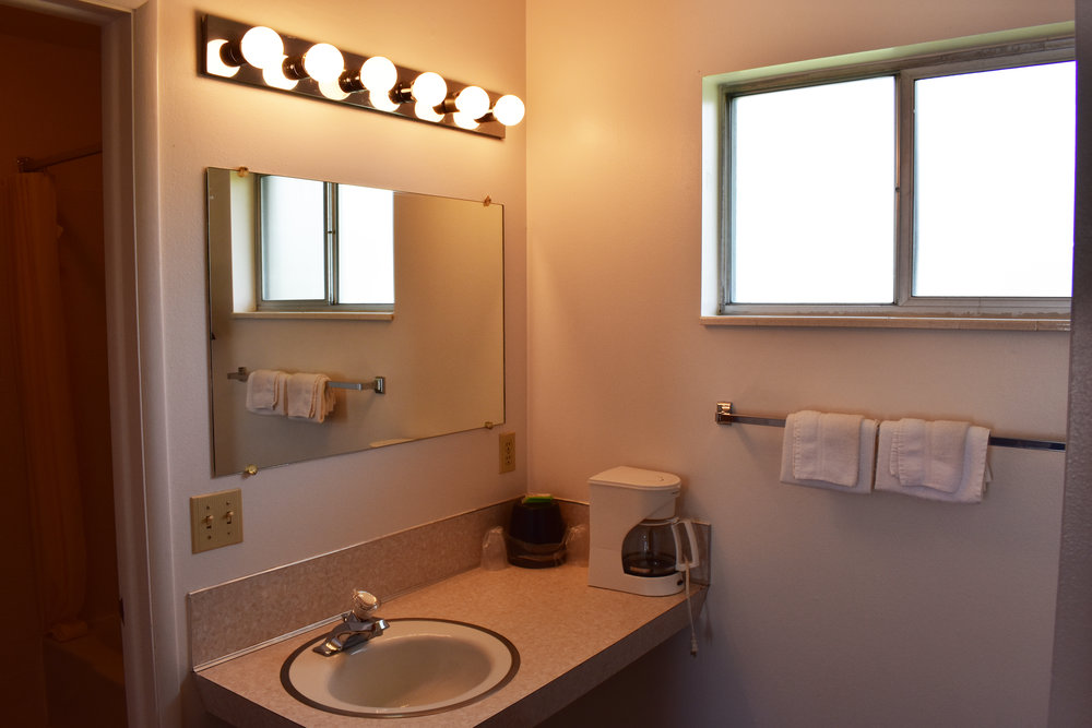 Single Room Bathroom.jpg
