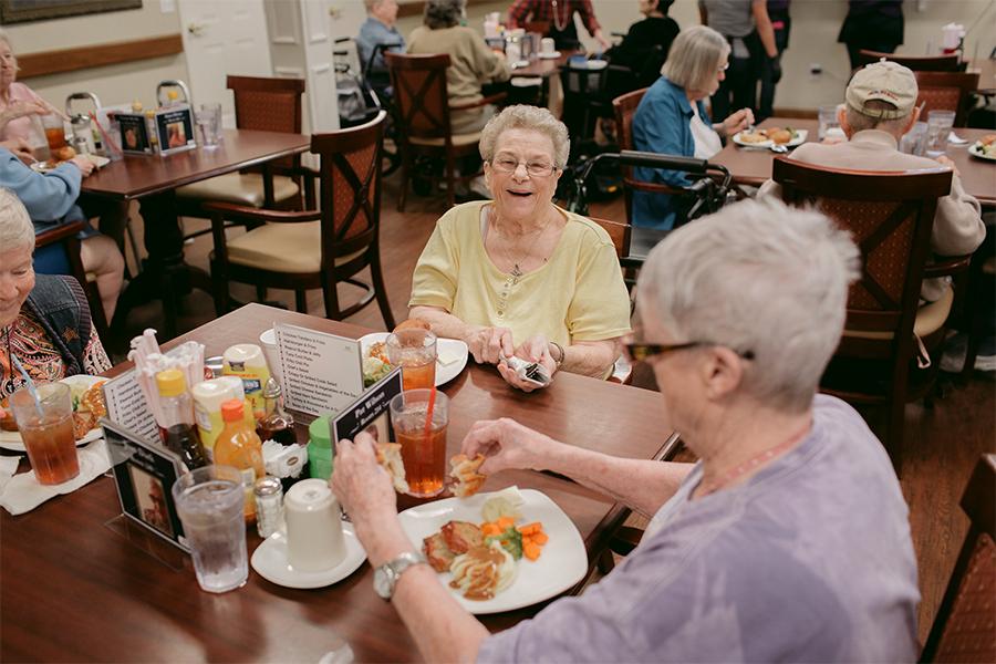 Residents-Eating.jpg