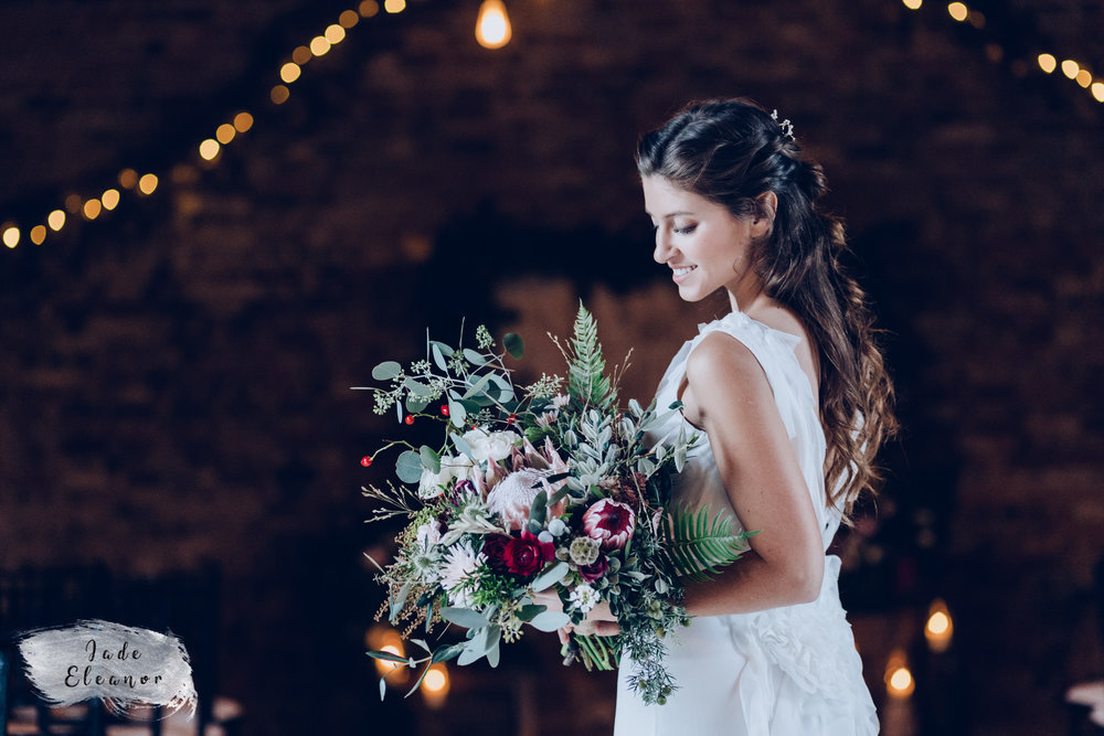 Bysshe Court Barn Wedding Jade Eleanor Photography-10.jpg