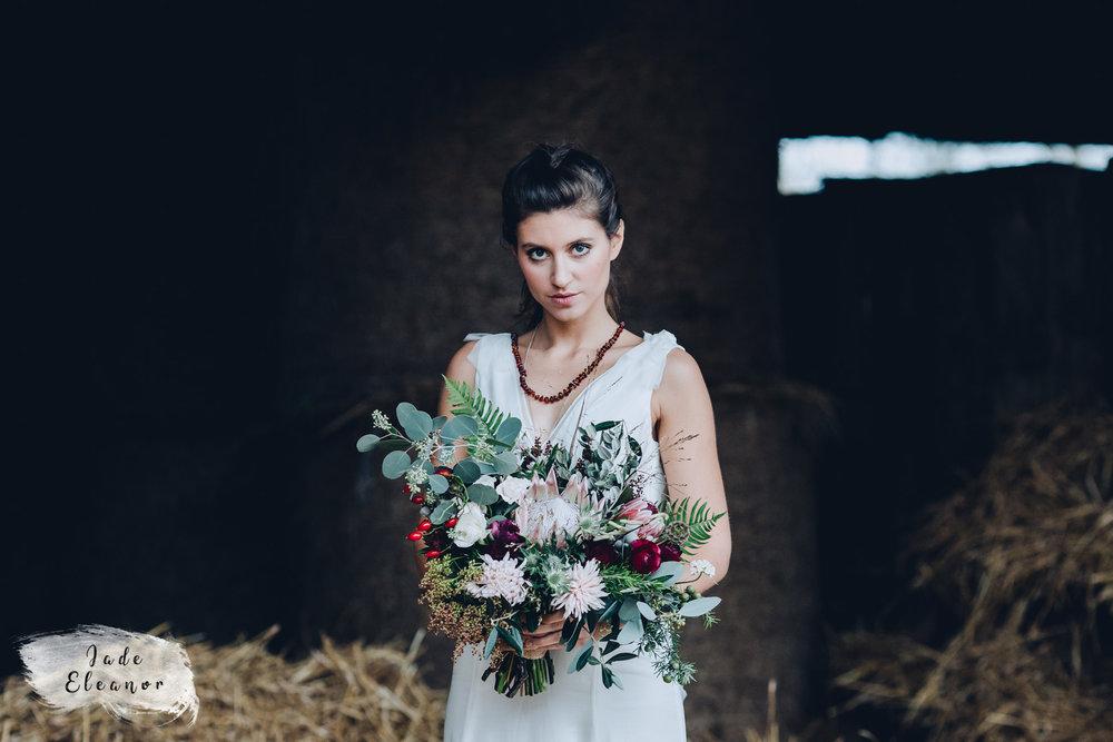Bysshe Court Barn Wedding Jade Eleanor Photography-23.jpg