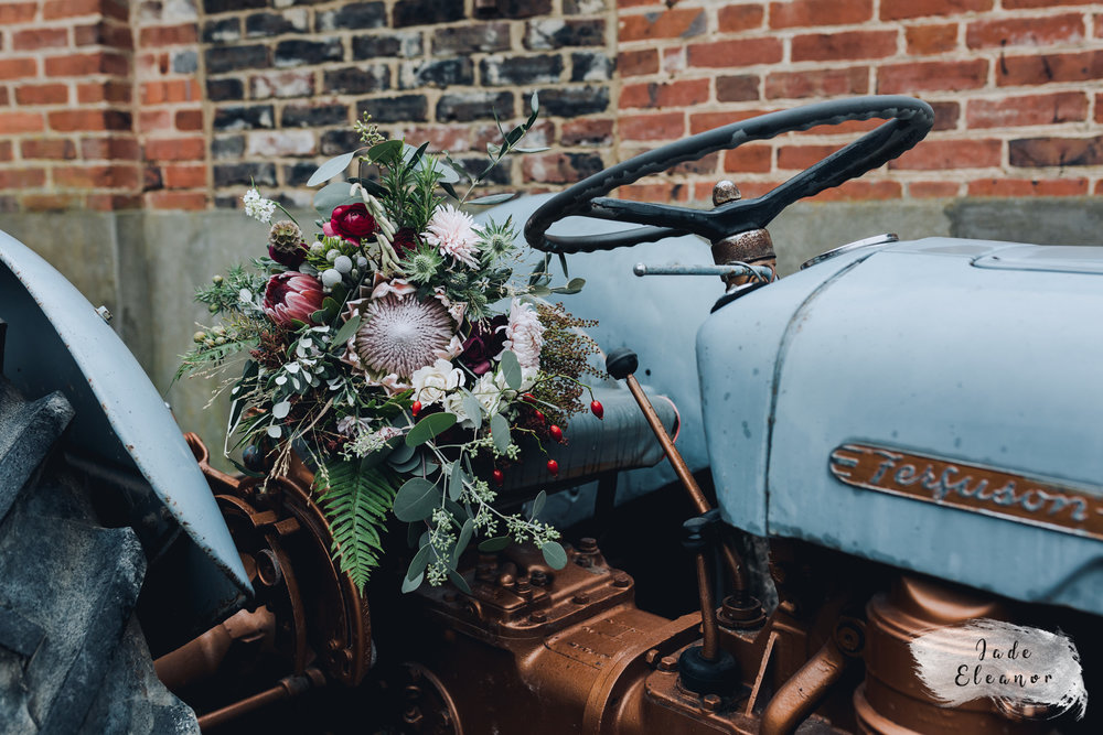 Bysshe Court Barn Wedding Jade Eleanor Photography-37.jpg