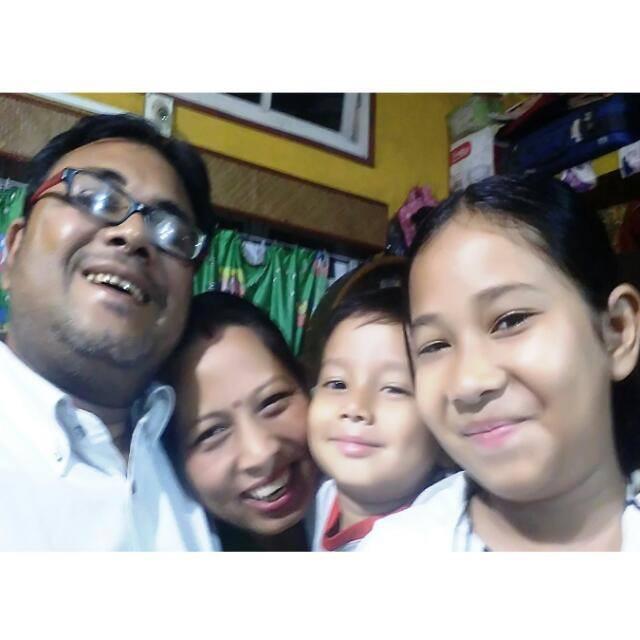 Lotika family.JPG