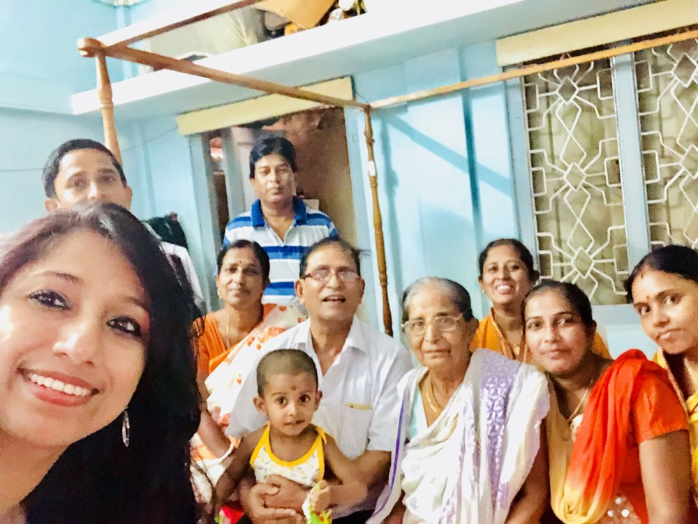 Thanks to the wonderful family, L to R: Asis Roy, Shaathi, Asit Roy, K. S. Das, Mrs. Arati Roy, Shilpi Paul, Lipi Paul and their sister-in-law for all your love and affection!
