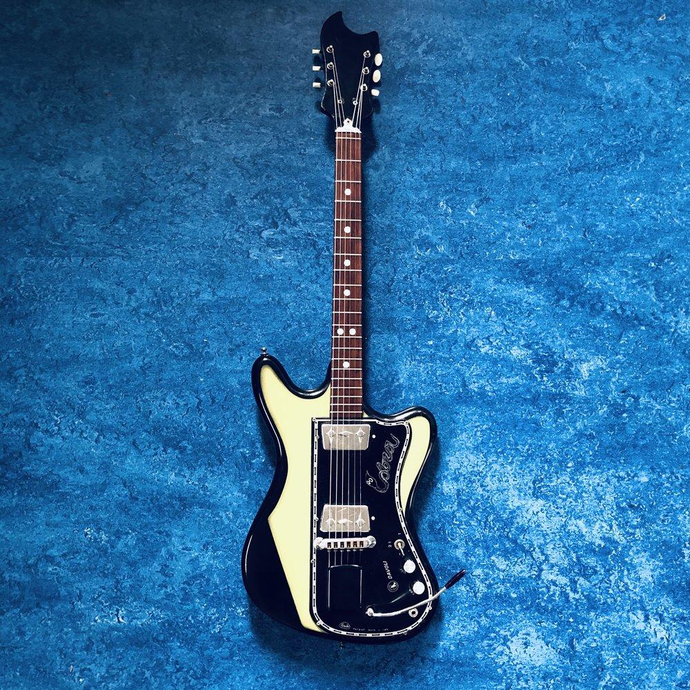 wandre-guitar.jpg