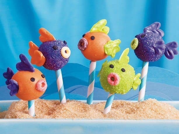 Do you love to pull a prank on your friends or colleagues 😄? Today is April's Fool Day‼️ At least, have some fun by making your own Apple Fish Pops!  #cherishapplefruit #feelthelove #aprilsfoolday #goldenbayfruit #oneofakind