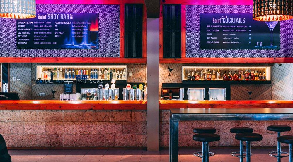 Lounge 3-min-min.jpg