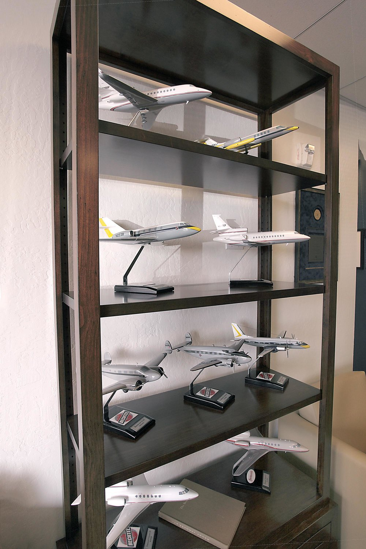 Sets of airplane figurine