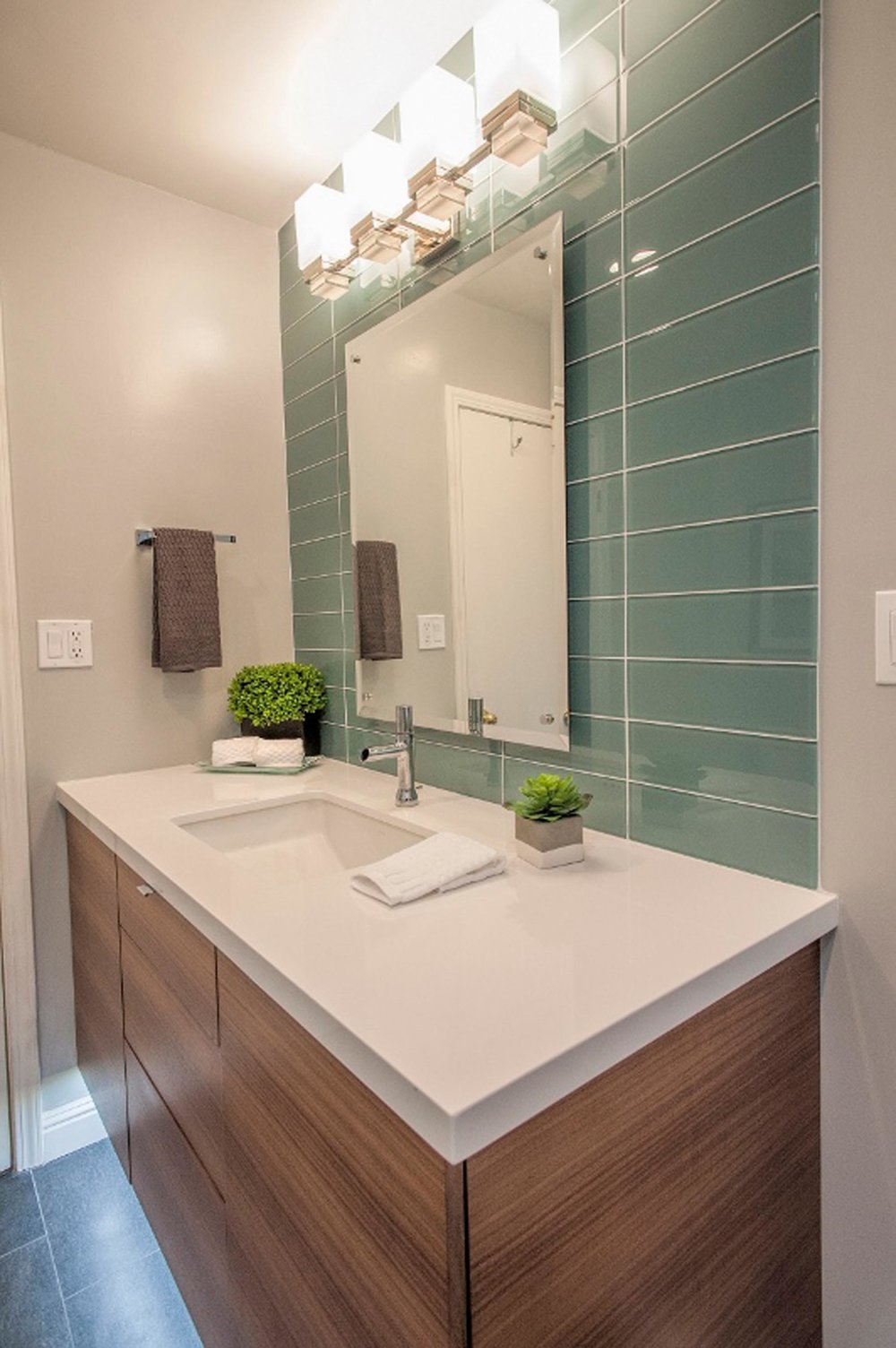 Stylish bathroom with vanity mirror