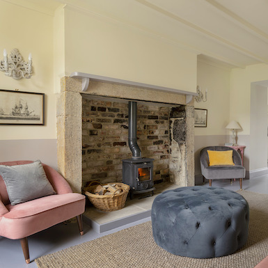 Coach House - (Sleeps 6)