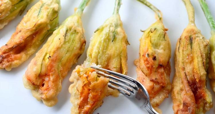 fiori-di-zucchina-ripieni-e-fritti
