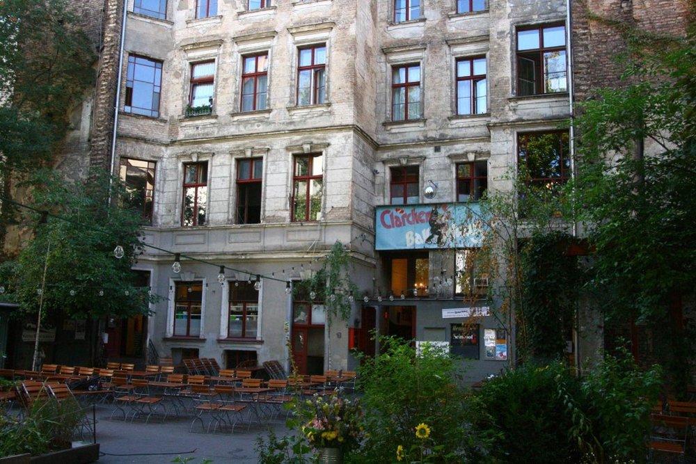 Berlin_Claerchens_Ballhaus_1600