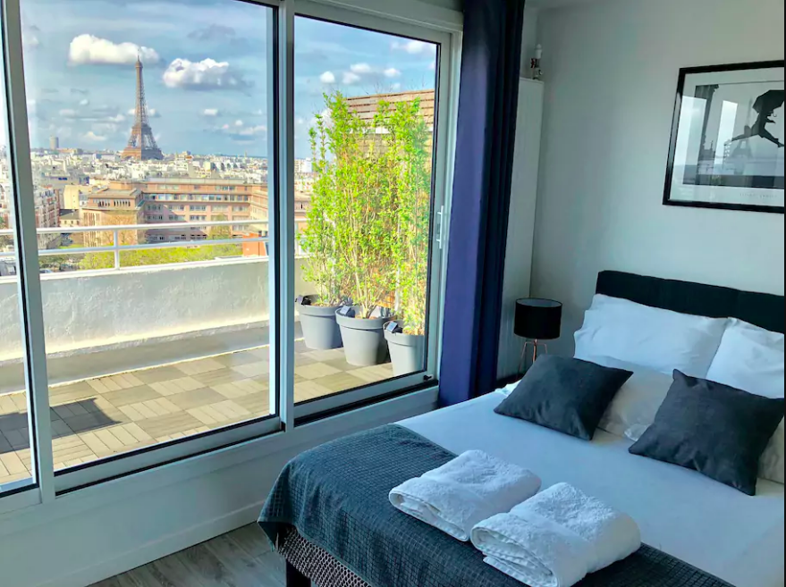 airbnb-apartment-with-eiffel-tower-view.png