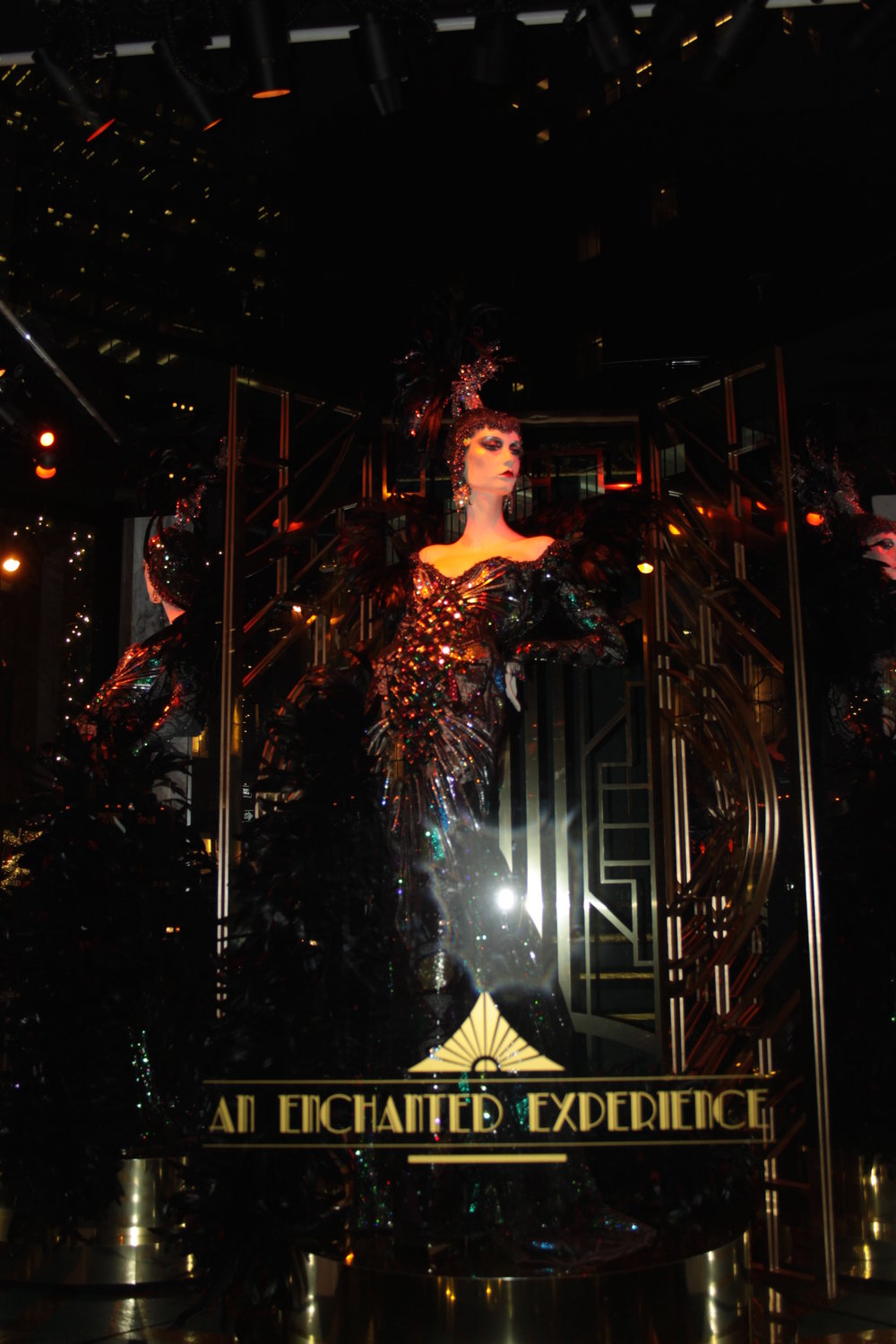 saks fith avenue windows christmass