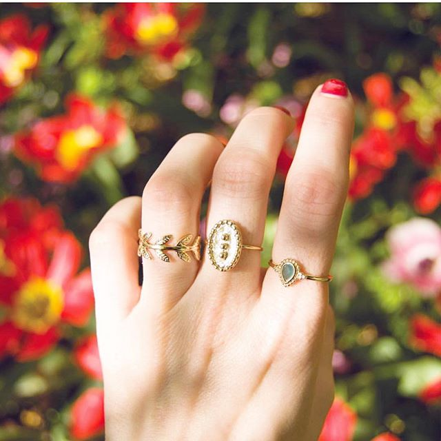 Get your Ring game strong for summer 💫 By @whoweare.shop . . . . . . #frenchstyle #fashionjewelry #bijoux #followforlike #likeforlikes #joaillerie #jewelrygram #jewelryaddict #jewelrydesign #artisanfrancais