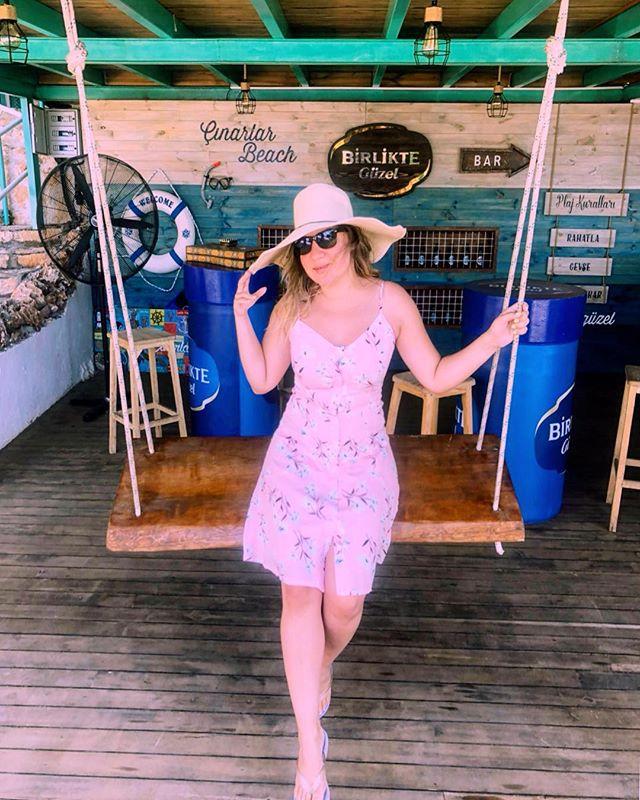 Plaj kuralları: 👉🏻Rahatla 👉🏻Gevşe 👉🏻Tadını çıkarrr 🌞🌊🍦 . . Beach rulezzz 👉🏻Relax 👉🏻Unwind 👉🏻Enjoy !  #endlesssummer #kaş #summervibes #beachrules  #holiday