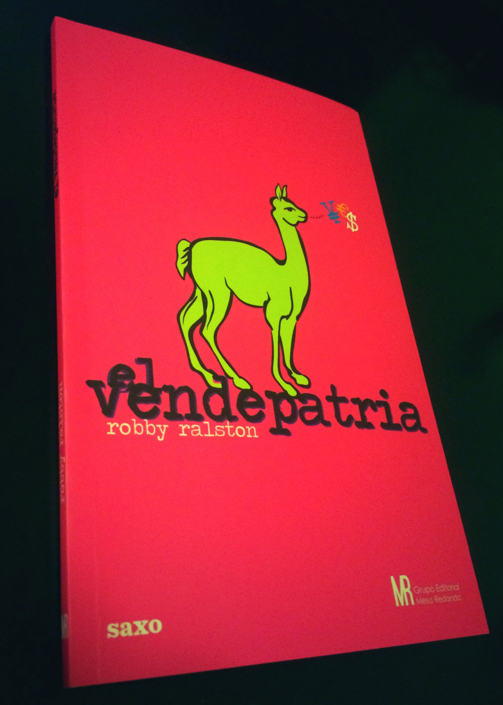 Diseño Portada El Vendepatria: Roni Heredia.