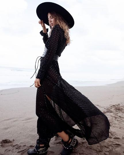 Model: Tayana Yarkaya   Photographed by: Lauren Schulz   MUA: Madz Artistry   Collaboration: Bloom Media