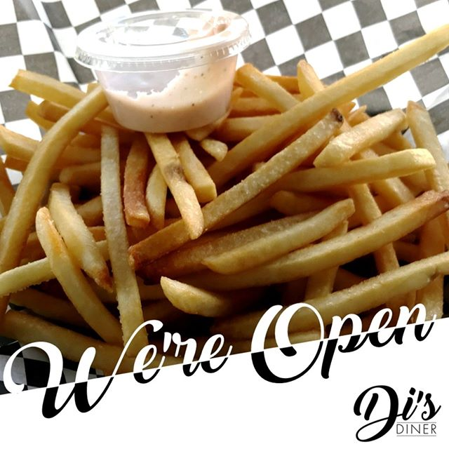 A little rain and cold calls for hot fries and a burger! We're open.  #isitsummeryet #eatlocal #disdinerca