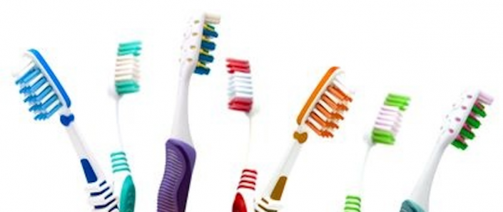 Life-with-Braces-Toothbrushes-705x298.png