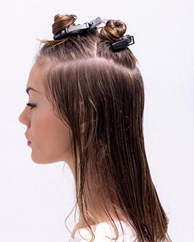 Etape 2  Séparations: A : pariétal/pariétal en passant au dessus de l'occipital, en fer à cheval B : oreille/oreille en passant par le vertex C : le reste (plateau)
