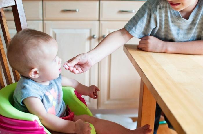 baby-baby-eating-chair-973970.jpg