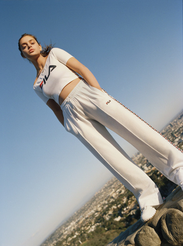 nd-urban-outfitters-r21f16-001-588x790_orig.jpg