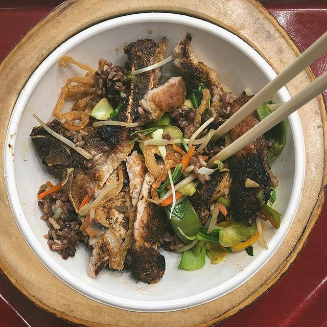 I like big bowls and I cannot lie. 📷 @egg_sluts_nyc #cajun #pork #bigbowlslittleplates            —— #wehavebigbowls #bao #baobuns #bblp #ramen #streetfood #bigbowls #noodlehouse #foodie #njeats #rutherfordnj #secaucusnj #paramusnj #njspots #nomnom #yum #asianfood #ramenlovers #noodles #sundayfunday #sundayvibes #takeout #hungry #porkbellybuns #porkchops