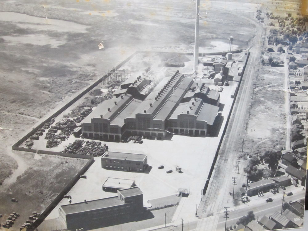 To the right in this photo are the nearest homes to the Federated Metals plant, which went into operation in early 1939.