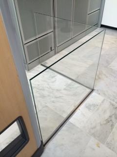 Glassrail6.JPG