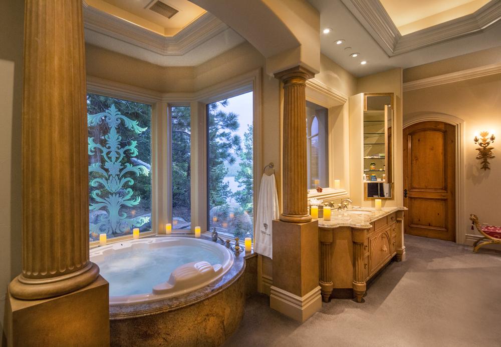 dow_02969mstr bath.jpg
