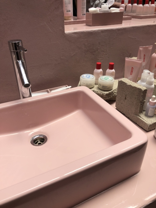 They have a sink to really test drive things!