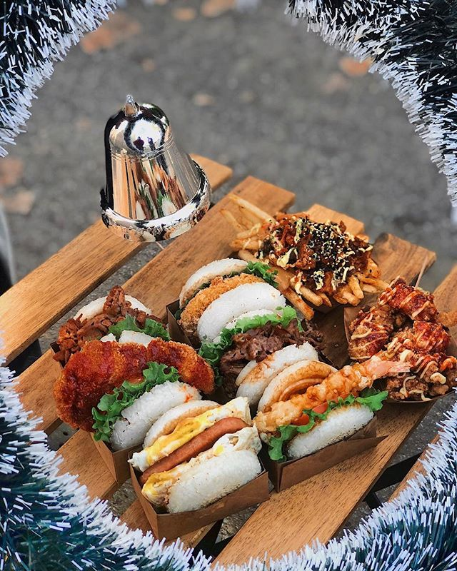 Can't you tell we're excited for Christmas?! 😁 Give the gift of Rice Burger this year by sharing our signature picnic or family pack with them today! - Tag a friend who would smash this 👇