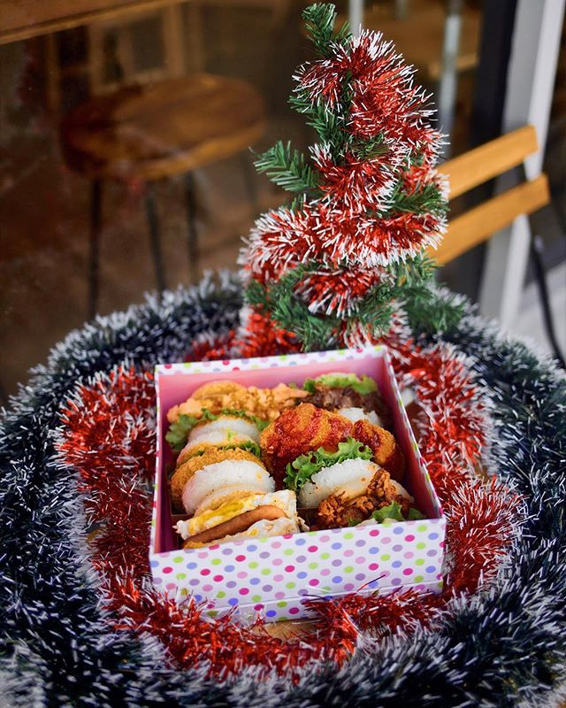 Bet you wish a Family Pack of Rice Burgers were under your tree tonight 😎 Stop by before we close for the holidays this 22nd. Open 11am - 8pm.