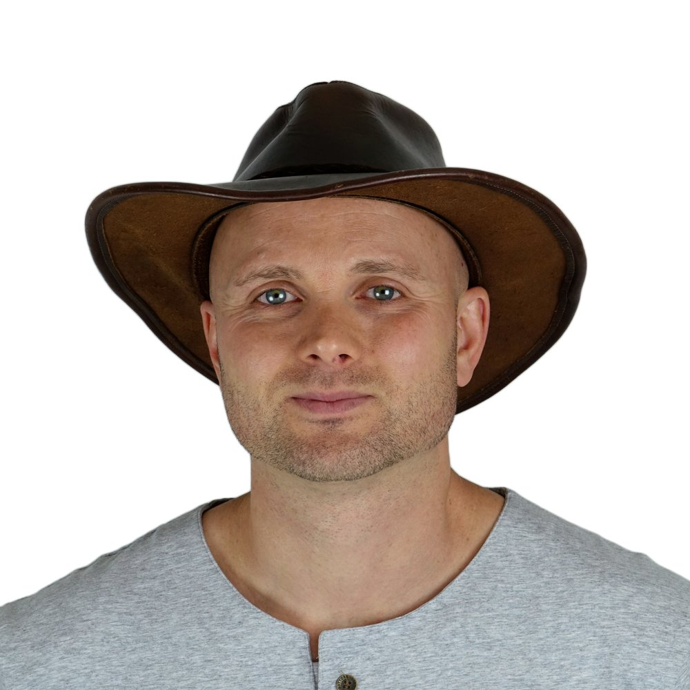 """Brandon Parker """"Happy Money Man"""" - Polymath   Founder at EOS SF & EOS Podcast. Treasure Hunter. Helicopter Pilot.  @happymoneyman Inspired by Empowerment, Transparency, & Building Together  Brandon@eossf.com"""