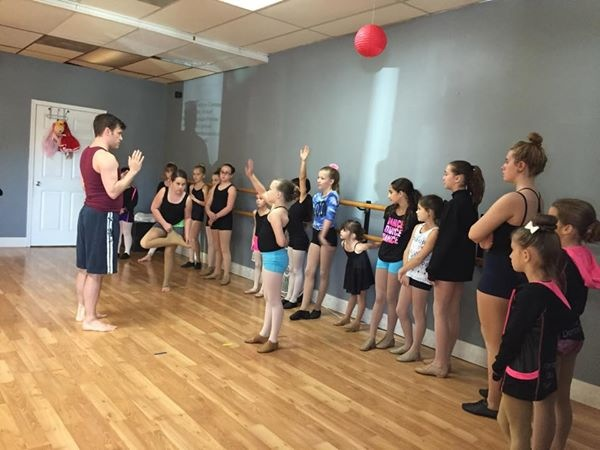 CenterStageDanceCompany_Wicked_RyanJackson_1130142.JPG