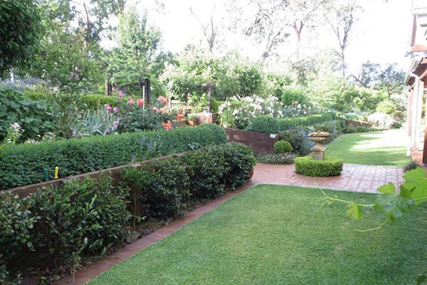 Beautiful and peaceful gardens at Armidale Wejalee