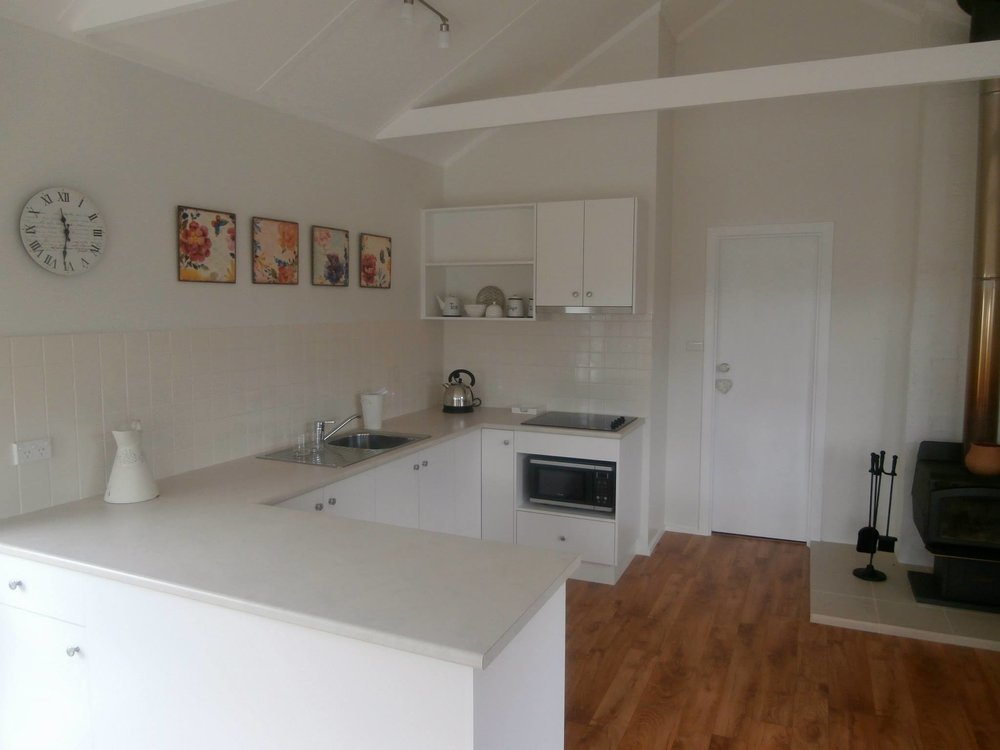 Balmoral B&B Accommodation — clean, spacious kitchen