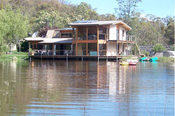 Lakeside Lodge Bed & Breakfast Accommodation