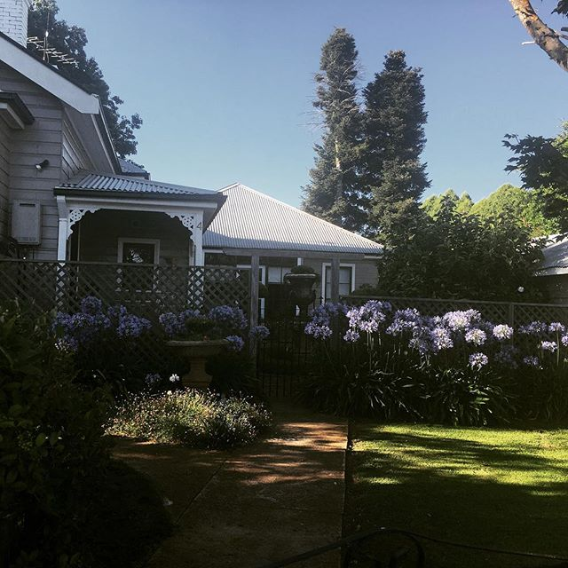 It's all about the charm! The beautiful Old Manse in Guyra. Just one of the properties on www.ruralstay.com  Book now!  #oldworldcharm #guyra #ruralstay #newenglandhighcountry #bnb #farmstayaustralia #armidaleaccommodation #uralla #walcha #gleninnesnsw