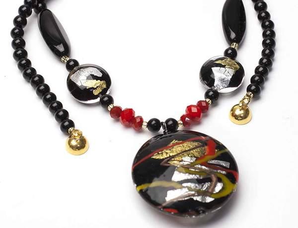 black-gold-red-murano-pendant_grande.jpg