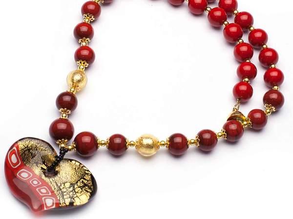 red-murano-heart-necklace_grande.jpg