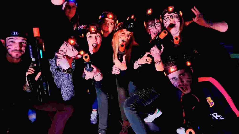 team laser tag en magasin animation soirée entreprise 2.jpg