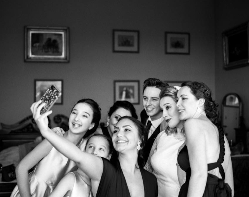 bride-taking- selfie.jpg
