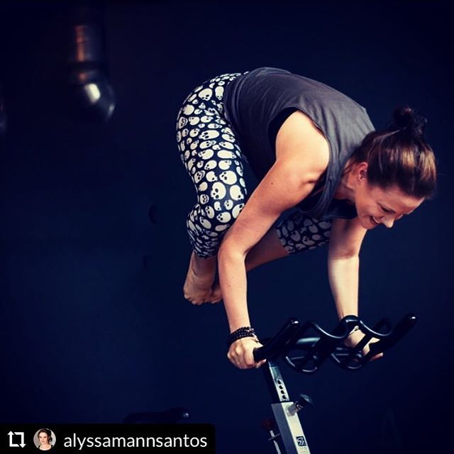 Nope. Not me. YET! This my super amazing powerhouse friend @alyssamannsantos! I just took her class at @syncyogacycle in Glendale and it was SO MUCH FUN!!! You wanna take class with Alyssa, trust me. Follow her. She's the best! 2019, here I come! 🤩🚴🏻♀️🧘🏼♀️💪🏼❤️ P.S. we did not do this pose in class! 😂