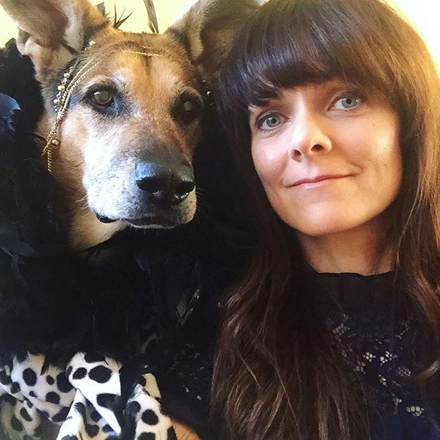 Last Dakota selfie of 2018. HAPPY NEW YEAR'S EVE! 🤩🎉 #shefancy