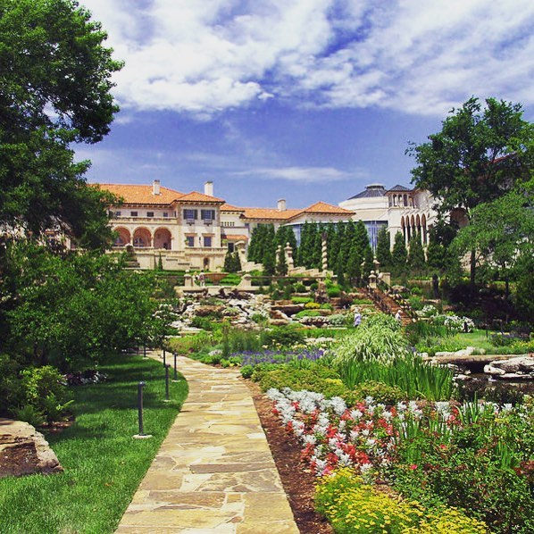 📷 🌸 Pic of the day - beautiful gardens at Philbrook Museum. #tulsametro . . . . #tulsa #oklahoma #ttown #park #city #mycity #tulsaoklahoma #tulsaok #instagood #picoftheday #beautiful #instatravel #lifestyle #myhome #cities #instaworld #travel #instadesign #explore #adventure #citylife #scenic #scenery #icon #citypark #outdoors #nature #flowers