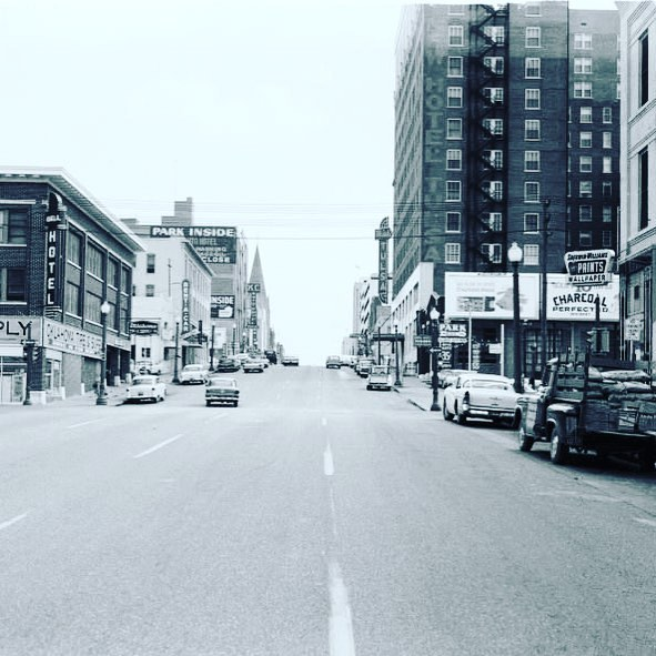 📷 Pic of the day - Tulsa #throwback to early 1960s. #tulsametro . . . . #tulsa #oklahoma #ttown #park #city #mycity #tulsaoklahoma #tulsaok #instagood #picoftheday #beautiful #instatravel #lifestyle #myhome #cities #instaworld #travel #explore #adventure #citylife #scenic #scenery #icon #tbt #vintage #throwbackthursday #blackandwhite