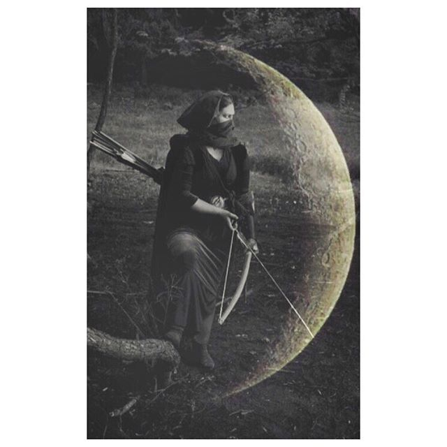 """🌑n e w  m o o n🌑 . . . . On Friday December 6th we began a new lunar cycle in Sagittarius. The archer atop the galloping and wild horse energy that runs head on with abandon. This energy has gusto and bravado. It claims its fire energy and burns brightly for freedom.  It's a """"go get him tiger"""" kinda energy. . And there is skill required in that go getting. Aiming at a target is a challenge at the best of times, let alone remaining steady atop shaky ground, or moving steed. I like to think of Sagittarius like the balance between the aim and the desire. The plan and what actually happens. You can want something but you are always in relationship with what life is offering. Adaptation and flexibility is needed. Patience is needed. Tact is needed. . The drawing back of the bow is the aspect of Sagittarius that most connects with this new moon. The pulling in towards your centre and rooting down to find steadiness. The pause before letting go. . I was in the expansive surging forth energy of Sagittarius all weekend. I was also in the drawing back energy of the dark moon to reflect on what I want to say and how I want to say it. Hence the tardiness of this posting and collage. . This is the last new moon of 2018. Some journaling prompts might be - How do you want to finish this year? What are you pulling back from, or away from? What are you drawing into your heart? What are you aiming for?  How do I remain still when the world is moving around me? Should I move my target or adapt my position? What are your desires for the next cycle and year? . I'll see you back here on the solstice and the longest full moon in a decade. Until then, aim true darlings. . . . . . . . . . . #newmoon #crescentmoon #moon #sagittarius #sagittariusseason #archery #aimtrue #desires #luna #moonmusings #astrologyaesthetic #astroyoga #lunaryoga #moonyoga #seasonalyoga #yogavancouver #yogateacherlife #mystic #horoscope"""