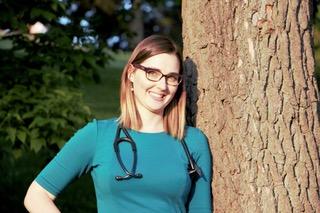 Sarah Winward Headshot.jpg
